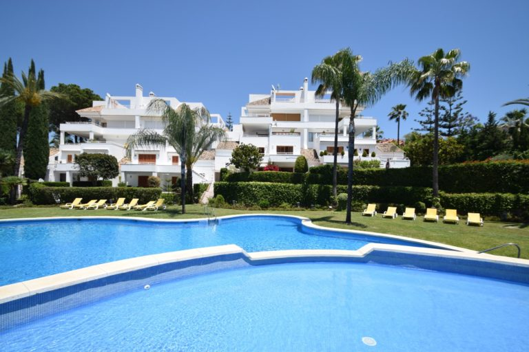 Buy a property in Alcores del Golf