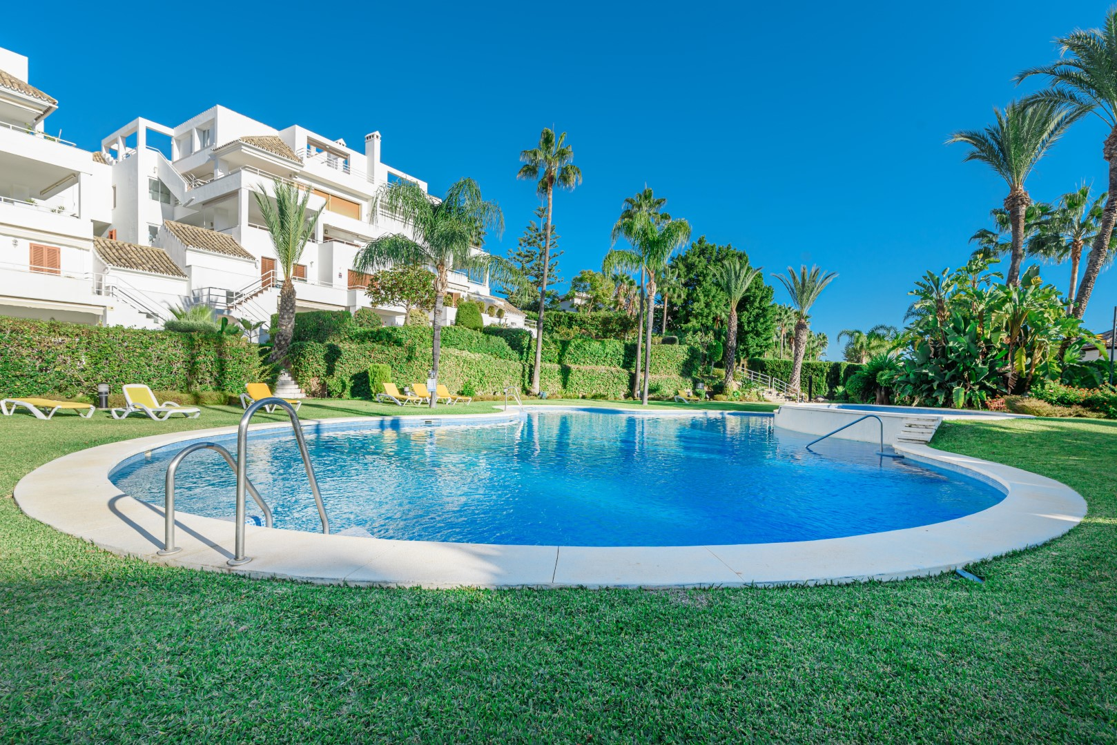 Buy a property in Alcores del Golf