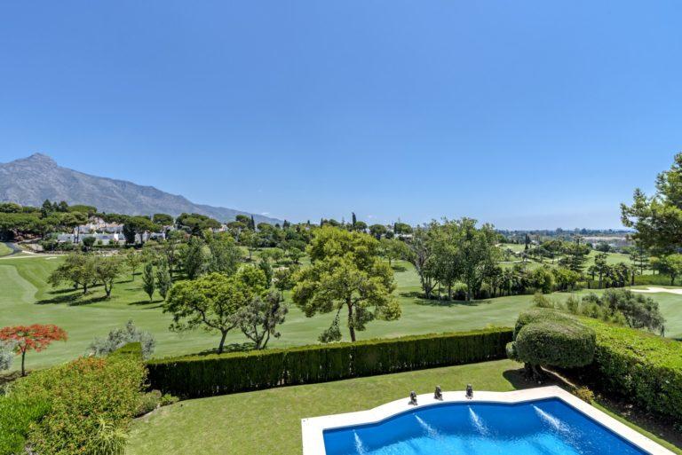 Golf villa Nueva Andalucia